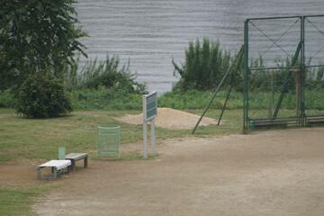 鹿浜橋緑地(野球場/球技場)
