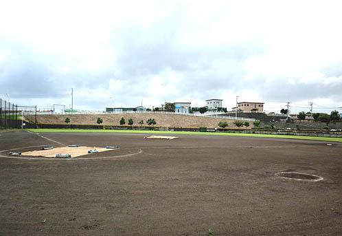 長坂谷公園(野球場/多目的広場/テニスコート)