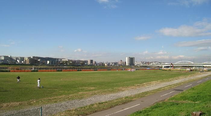 多摩川児童公園内運動施設