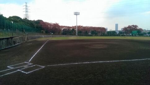 岸根公園野球場