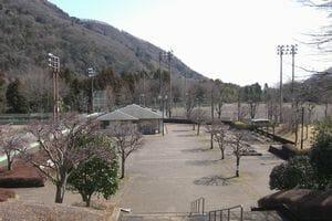 津久井又野公園(多目的グラウンド/テニスコート)