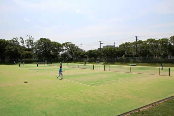 逗子市第一運動公園(野球場/テニスコート/プール)