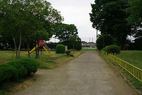 鎮守前公園(野球場/テニスコート)